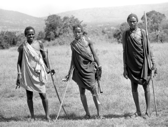 Maasai visitors with spears, bow and arrows and throwing sticks.