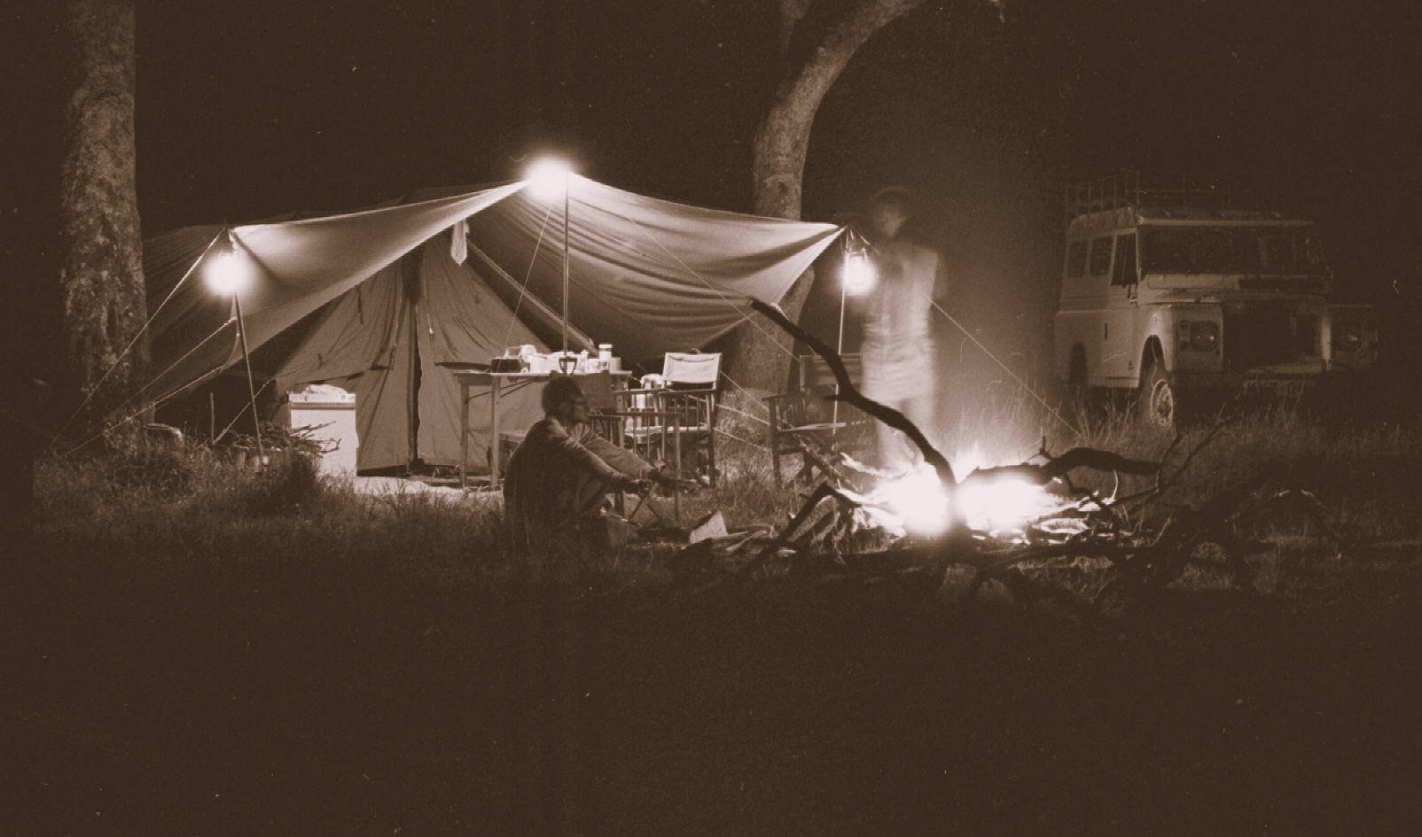camp-at-night